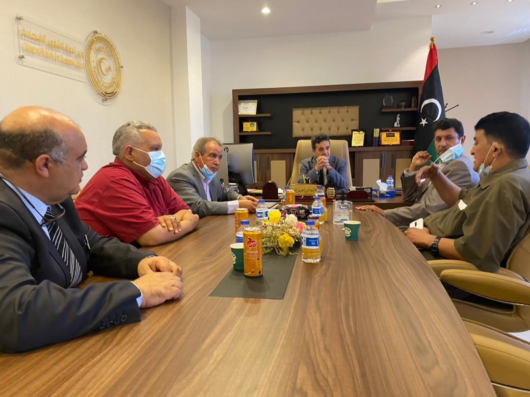 السيد وزير الدولة للشؤون الاقتصادية بحكومة الوحدة الوطنية يلتقي برئيس الأكاديمية الليبية